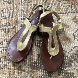 Merona Gold Flat Sandals Sz 8.5